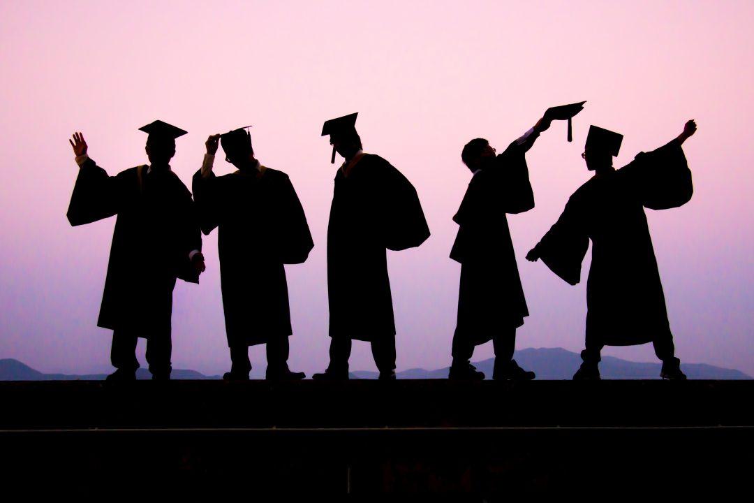 畢業後,我應該先到大公司上班,還是先創業?   創新拿鐵