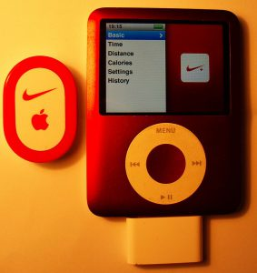 850px-Apple_iPod_Nano_and_Nike+_Kit