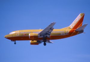 223gz_-_Southwest_Airlines_Boeing_737-500;_N527SW@LAS;17.04.2003_(8189654993)