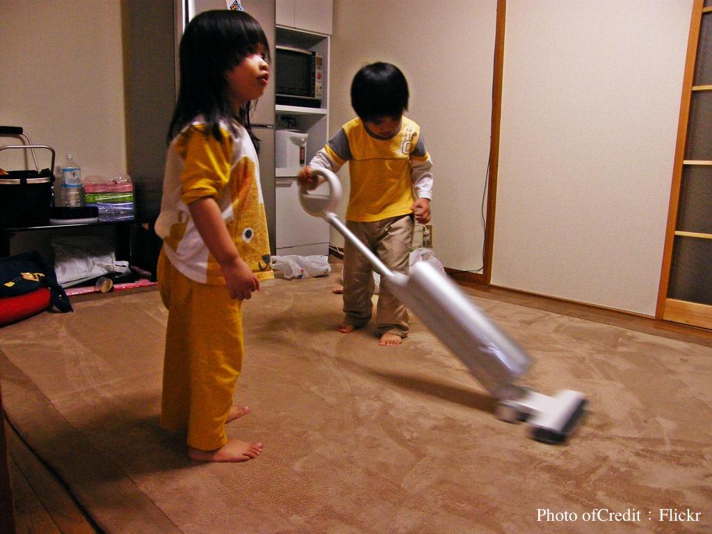 是教育?還是虐待?日本小學用「擦地板」來達到4種目的