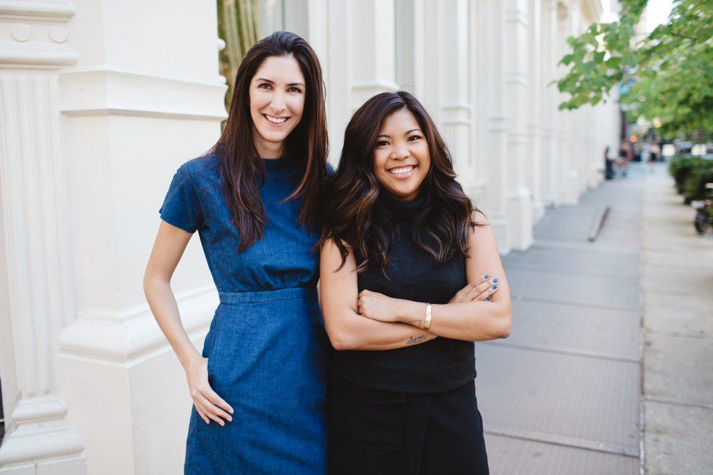 如何從零開始建立品牌?兩位年輕女生,用這3種方法,把行李箱這傳統產業,做成14億美元的大公司