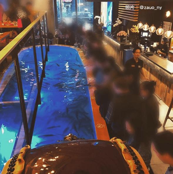 過度「客製化」反而讓人害怕?!這家日本海鮮餐廳要顧客自己抓魚,引來紐約人兩極反應